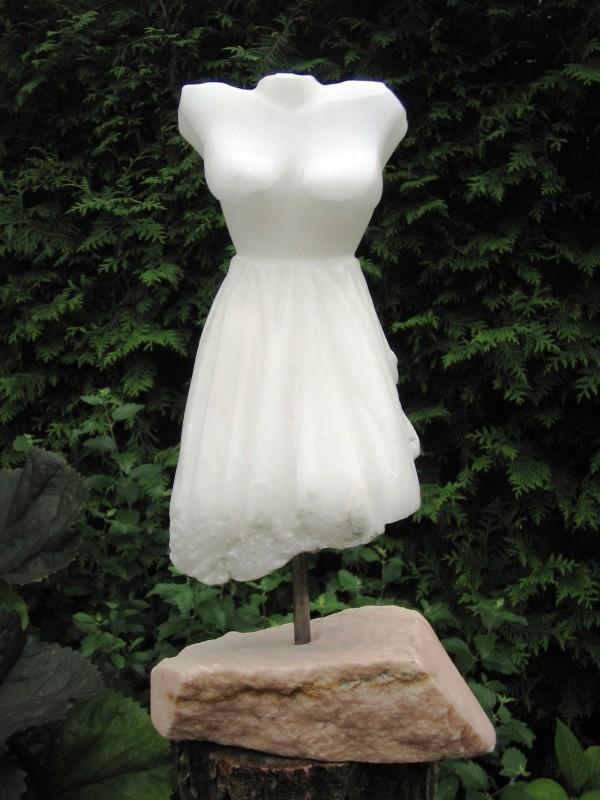 De-Bruid-Hoogte-35-cm.-albast